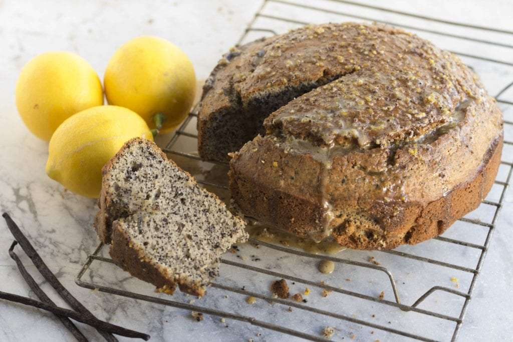 Lemon and Poppy Seed Cake – Arwen's Thermo Pics