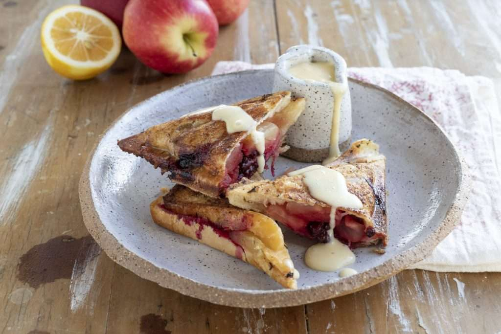 Arwen's Thermo Pics | Hobart Thermomix Consultant - Apple & Blackberry Jaffle with Custard