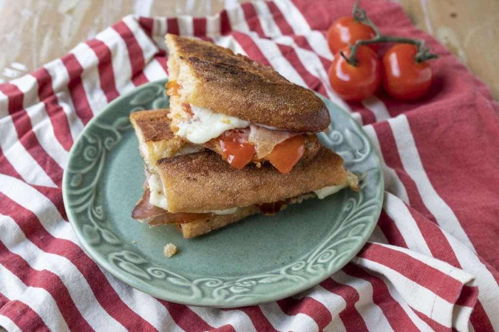 Arwen's Thermo Pics | Hobart Thermomix Consultant - Jamon, Manchego, Tomato & Olive Oil