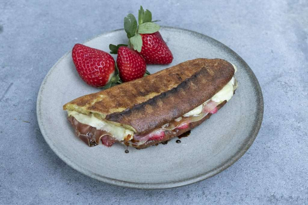 Arwen's Thermo Pics | Hobart Thermomix Consultant - Strawberry, Prosciutto, Manchego & Honey